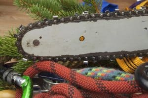 small chainsaw chain