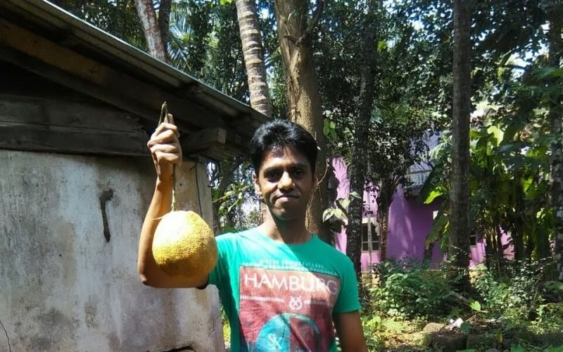 Holding a grapefruit1